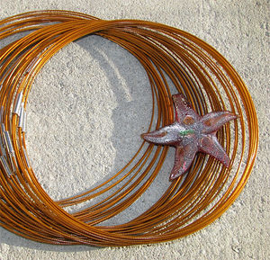 Halsband memory guldbruna 3st