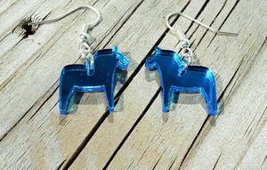 KIT till örhängen med dalahästar 20mm spegelplexi blå