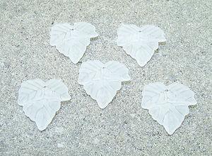 Acrylhängen vita frostade löv
