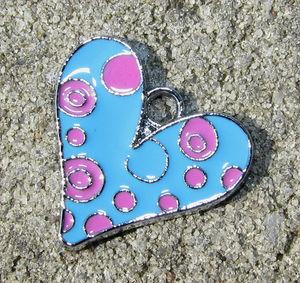 Berlock emalj hjärta turkos&rosa