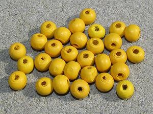 Träpärlor runda 8mm solgula 30st