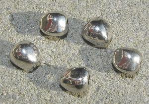 Metallpärlor nuggets 9mm
