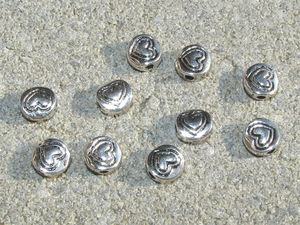 Mellandelar platta runda med hjärtan 6.5mm