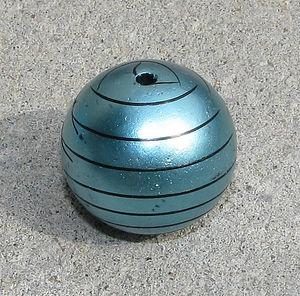 Acrylpärla randig turkos 30mm
