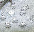 Pärlhatt klockformade 7mm ljus silver