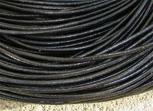 Läderrem 2mm svart 2 meter