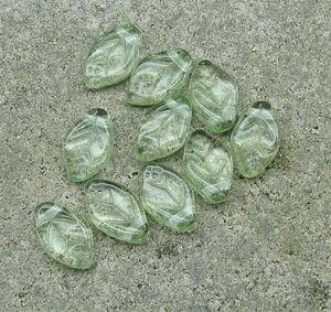 Löv 8x12mm gröna 50st