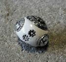 Indonesisk pärla vit med vit sten slät