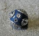 Indonesisk pärla blå med vit sten slät