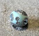 Indonesisk pärla aqua med blå sten slät