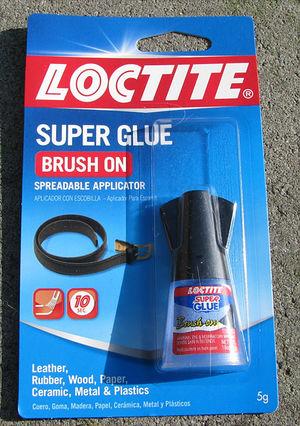LOCTITE Superglue Brush-On