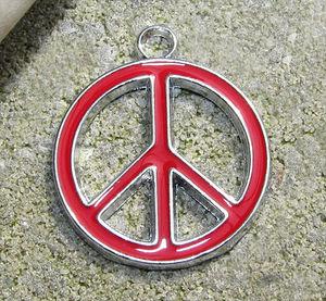 Berlock emalj fredsmärke rött