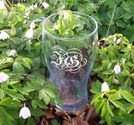 Ölglas med gravyr Monogram