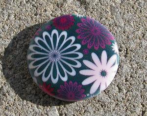 Snäckskalscoin lila blommig 30mm