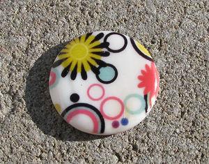 Snäckskalscoin vit blomcirklar 30mm