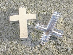 Hängen stora kors 27x42mm