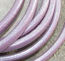 Regaliz läderrem 6x10mm lila metallic 20cm